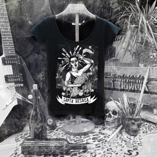 camiseta santa resaca negra mujer